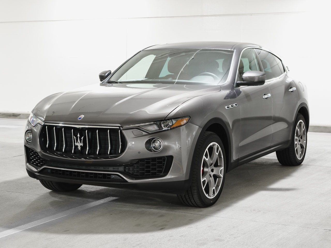 Certified Pre-Owned 2017 Maserati Levante 350hp AWD