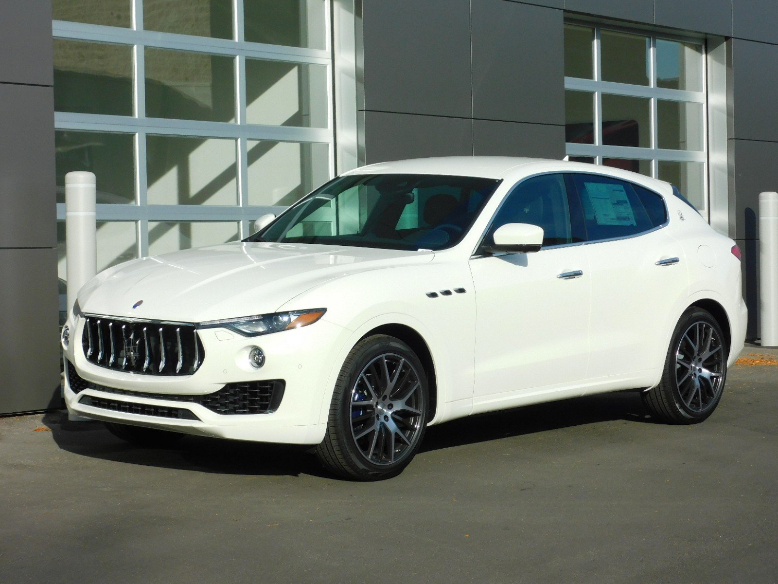 New 2019 Maserati Levante LEVANTE 350hp AWD4dr